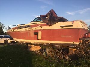 1985 fibre form 28' ft cabin cruiser with 454  merc