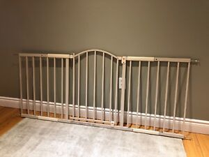 Wide Room Dividing Baby Gate