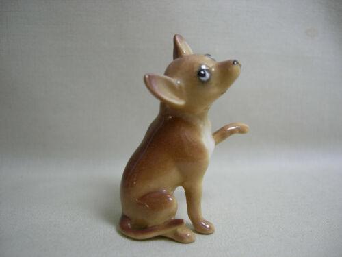 Older Detailed Vtg Miniature Hagen Renaker Ceramic Chihuahua Dog Seated Figurine