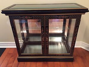 Stunning oriental entrance hall table with mirror