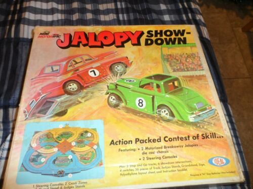 IDEAL MINI MOTORIFIC JALOPY SHOW DOWN SLOT CAR TRACK
