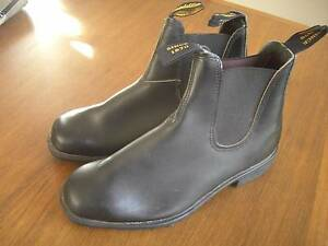 Brand New Pair of Men's Size 8 Blundstone Elastic Sided Boots Ettalong Beach Gosford Area Preview