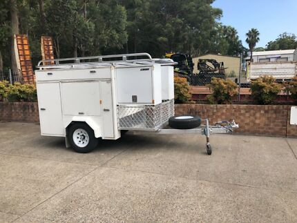 Tradie trailer with roofcage and awning Medowie Port Stephens Area Preview