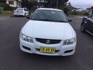2005 HOLDEN COMMODORE LOOKS GOOD AND DRIVES GOOD WITH LOG BOOKS Smithfield Parramatta Area Preview