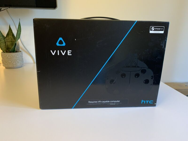 HTC Vive Virtual Reality Headset - FULL KIT with Deluxe Audio Strap