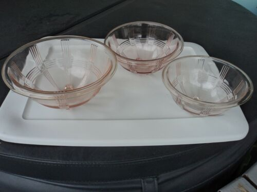 HAZEL ATLAS PINK CRISSCROSS MIXING BOWL SET - SCARCE