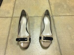 3 pairs of ladies shoes ( Excellent condition)
