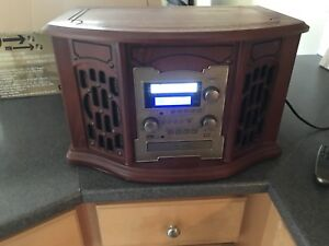 Innovative Technologies record player with CD conversion wood