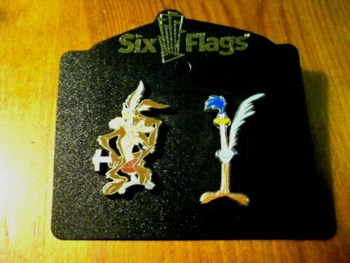 SIX FLAGS LOONEY TUNES WILE E COYOTE ROADRUNNER COLLECTIBLE PIN RARE AUTHENTIC