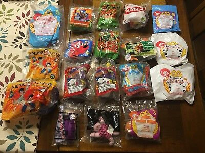 Lot of 17 Miscellaneous Toys McDonalds & Wendys Clifford, Jackie Chan, Snoopy