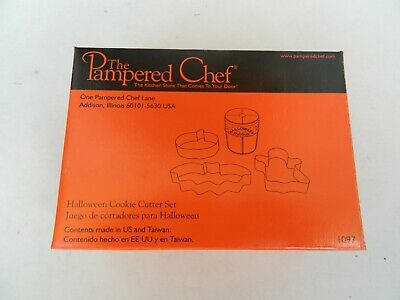 Pampered Chef Halloween Cookie Cutter Set Kitchen New in Box #1097 W/ Sprinkles