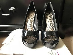 Women's Black Heel Pumps Size 8.5