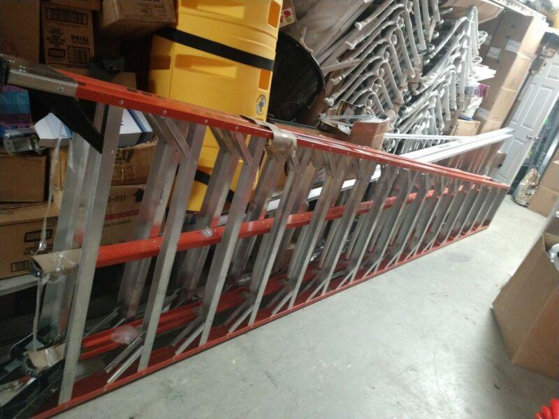 WERNER Ladder, 16 ft. 300lb, load capacity Fiberglass Trestle extension