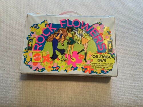 1970 MATTEL ROCK FLOWERS DOLL CASE WITH 3 DOLLS + ACCESSORIES USED CONDITION