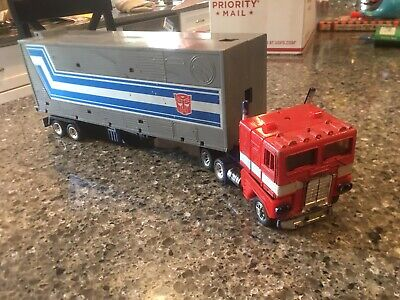 Transformers g1 Optimus Prime With Trailer