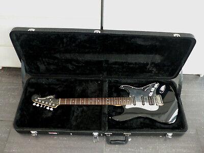 Squier Stratocaster by Fender E Gitarre im Gator Case Cases gebraucht gebraucht kaufen  Behlendorf