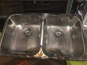 Sink Kingston Kingston Area image 1