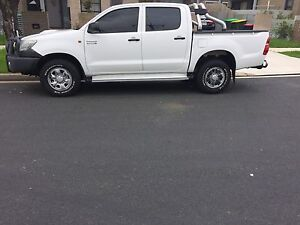 My13 Toyota hilux sr 4x4 turbo diesel Mount Lewis Bankstown Area Preview