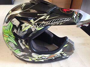 M'bike helmets, bar mirror, cricket bat Innisfail Cassowary Coast Preview
