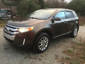 "2011 Ford Edge LIMITED ""GPS nav, pano roof, fully loaded"""