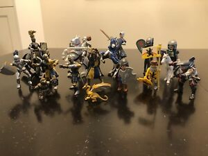 Toys — Knight figurines