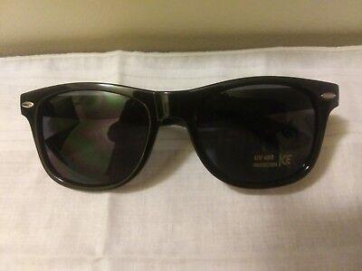 VONS ~ Retro Sunglasses UV 400 Protection ~ New in (Vans Folding Sunglasses)