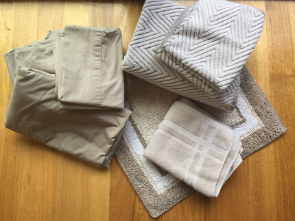 Moving out? Redecorating? Sheets and towels set $15 total