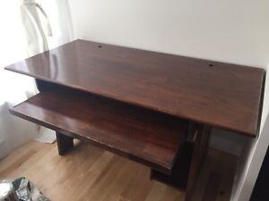 Bureau en bois massif pour ordinateur