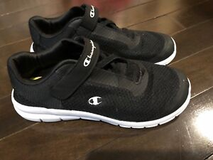 04a4cfe2206168 Boys size 4.5 Champion shoes