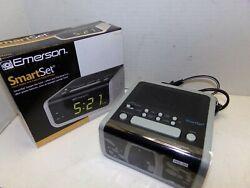 NEW Emerson SmartSet Model CKS1702 Alarm Clock Radio  SHIPS FREE!!