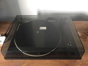 Pro-Ject Debut II Turntable/Record Player