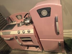 Children's Kid kraft retro kitchen set