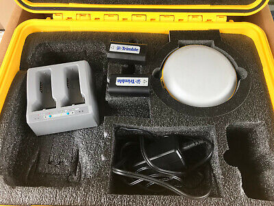 Trimble R2 Gnss Receiver Two Batteries And Charger Pn 99020-01