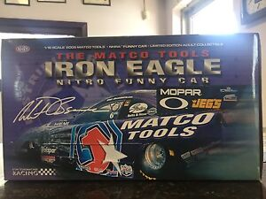 1/16 scale diecast 2005 Dodge Stratus NHRA funny car