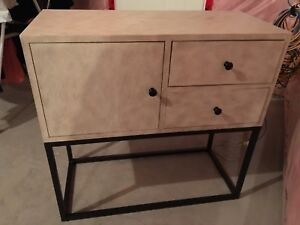 Accent table with drawers