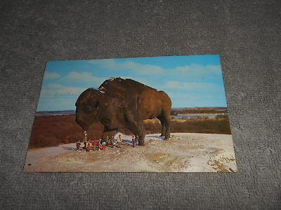 POST CARD ( O ) WORLD'S LARGEST BUFFALO -REPLICA