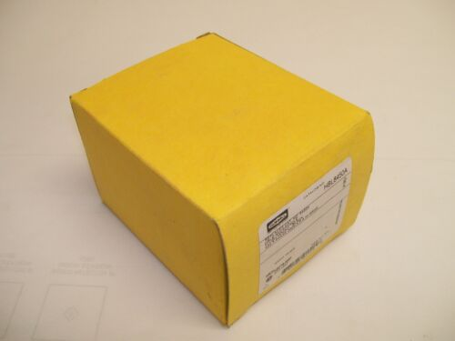 NEW IN BOX Hubbell HBL8450A 3P 4W 50A 15-50R 250V Receptacle  FREE SHIPPING!