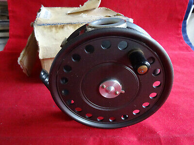 Quality Pewter Salmon Trout Game Fishing Fly Reel Pin