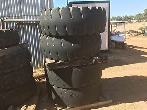 Loader tyres and rims suit Komatsu, 17.5/25 Pickering Brook Kalamunda Area Preview