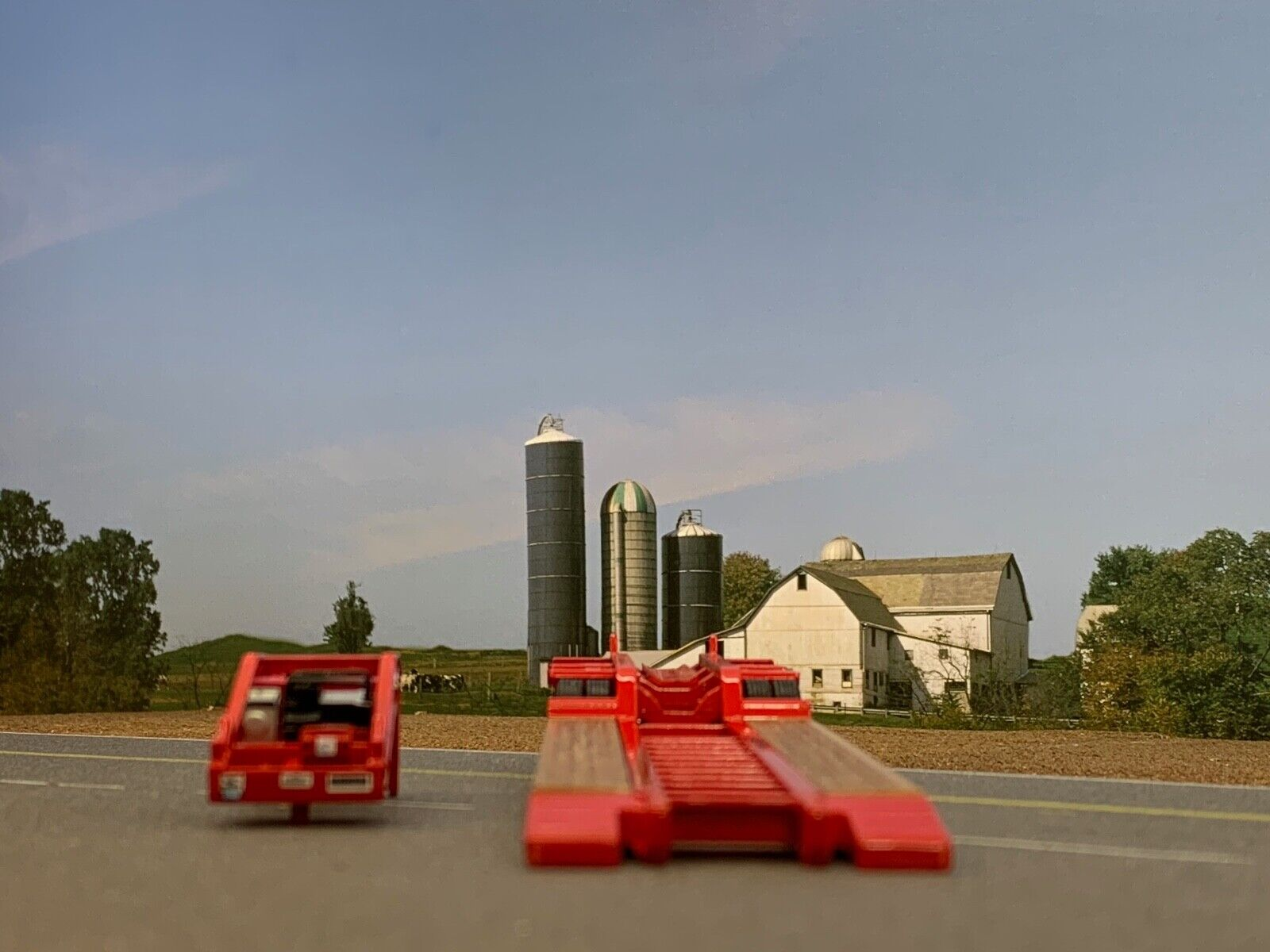 1/64 DCP RED FONTAINE MAGNITUDE LOWBOY TRI-AXLE TRAILER 2