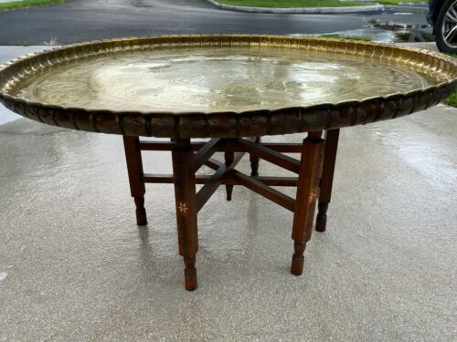 """HUGE 37"""" ANTIQUE ISLAMIC ARTISTIC BRASS TRAY COFFEE TABLE ON FOLDING WOODEN BASE"""