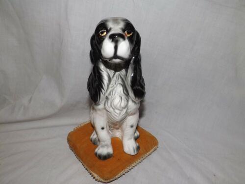 Vintage English Spinger Spaniel Figurine. Sitting on Pillow.