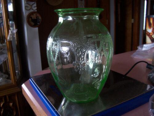 """Cameo Ballerina 8"""" green vase"""