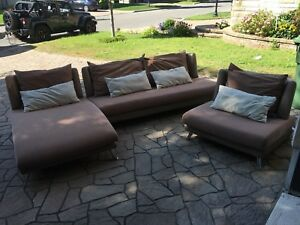 Living room set. Set de salon. Sofa, couche, futon, sectional