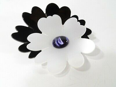 Pono by Joan Goodman Two tone Blk WHITE resin double flower pin Brooch NWOT 135](White Goodman Costume)