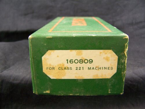 LOT OF VINTAGE SINGER FEATHERWEIGHT 221 SEWING MACHINE ATTACHMENTS 160809 & BOX