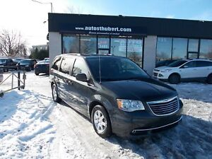 CHRYSLER TOWN & COUNTRY TOURING 2012 **NAVI+ TOIT OUVRANT+ DVD**