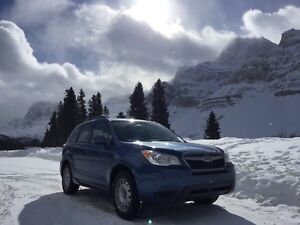 2016 Subaru Forester 2.5i (excellent condition)