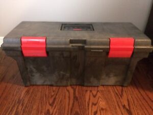 Rubbermaid Toolbox with tray Tool box