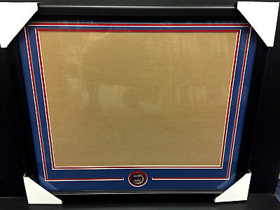 NEW YORK GIANTS Medallion Frame Kit 16x20 Photo Double Mat (Giants Kit)